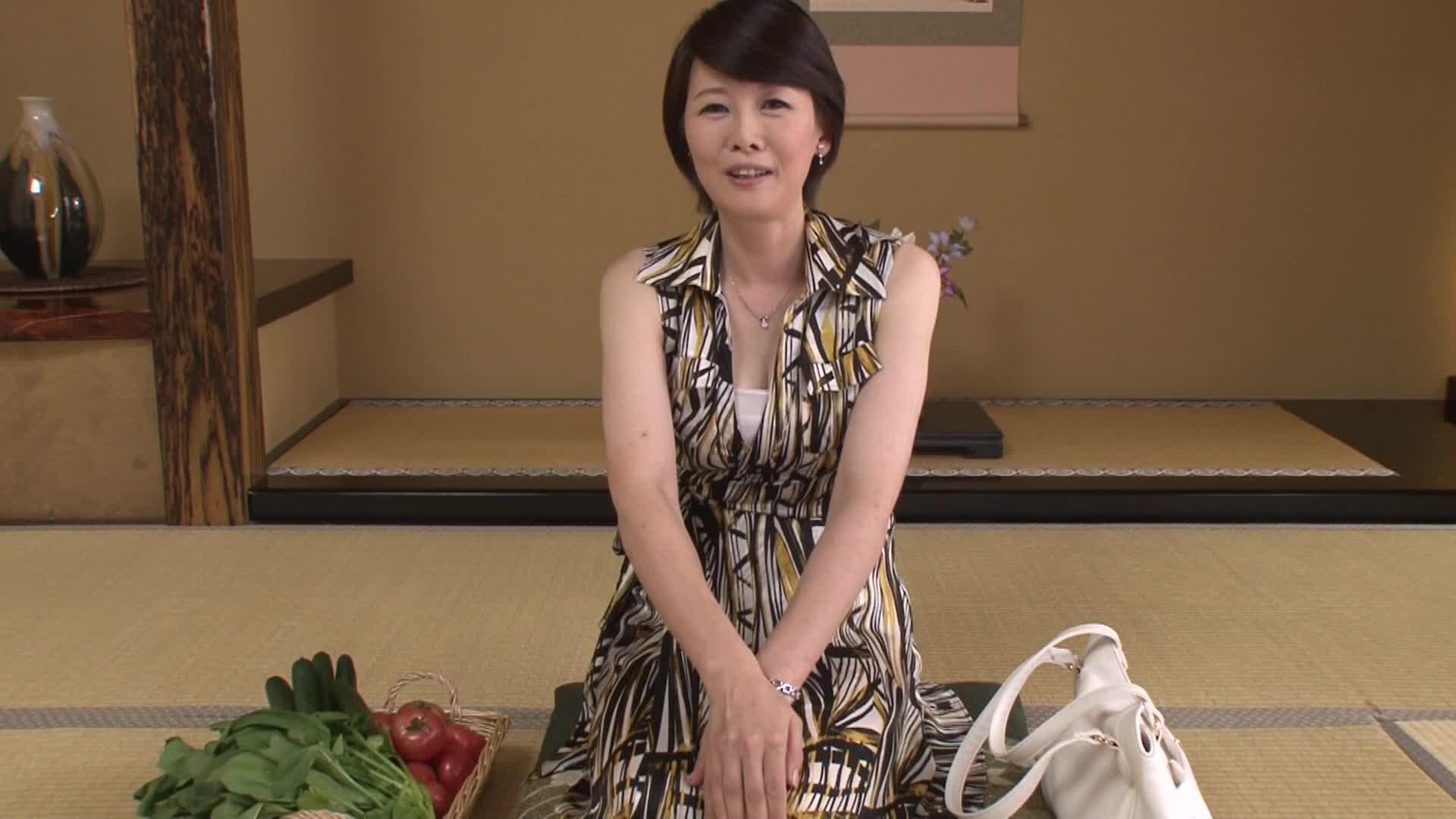 【無料エロ動画】《武内りえ 48年》普通の五十代の中年女性が会話され...