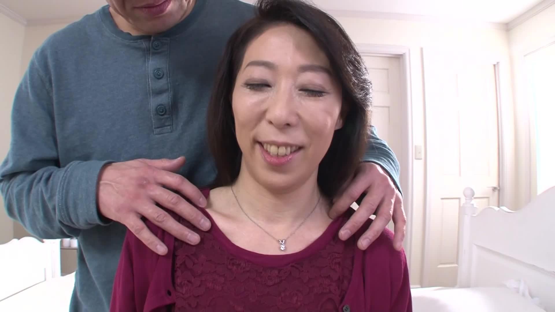 元教師の50代専業主婦が出会い系サイトを利用して浮気セックス!